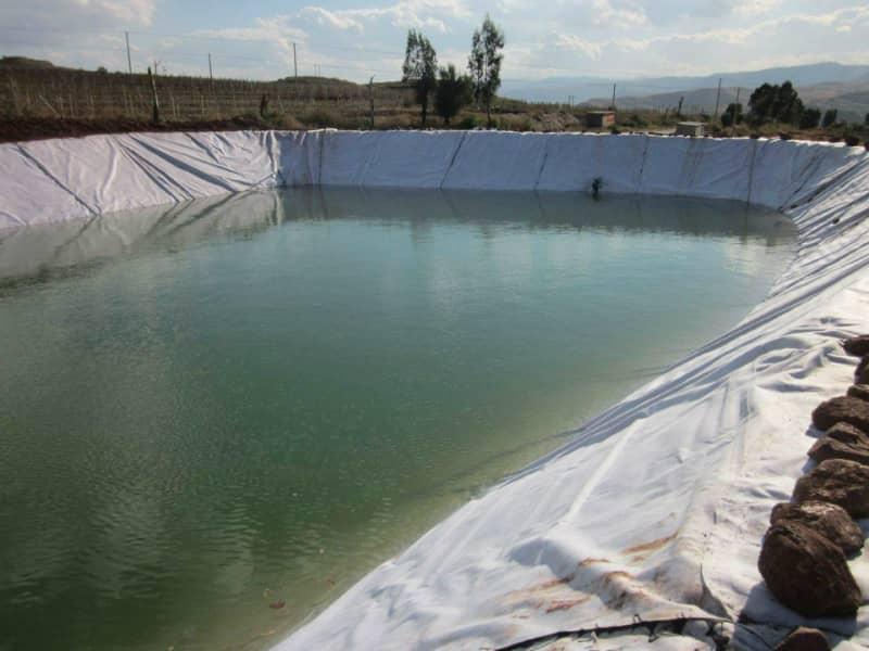 使用長絲復合土工膜做好施工的防滲透工作