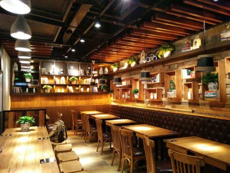 主题式餐厅餐桌椅|安徽高质量美食城家具厂家直销
