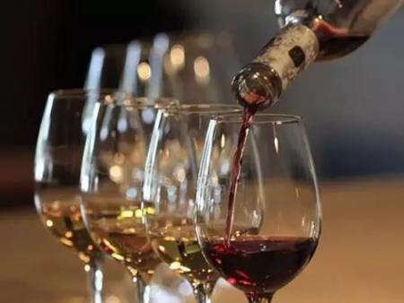 同为葡萄酒金字塔尖的王者,冰酒和葡萄酒哪个更好喝