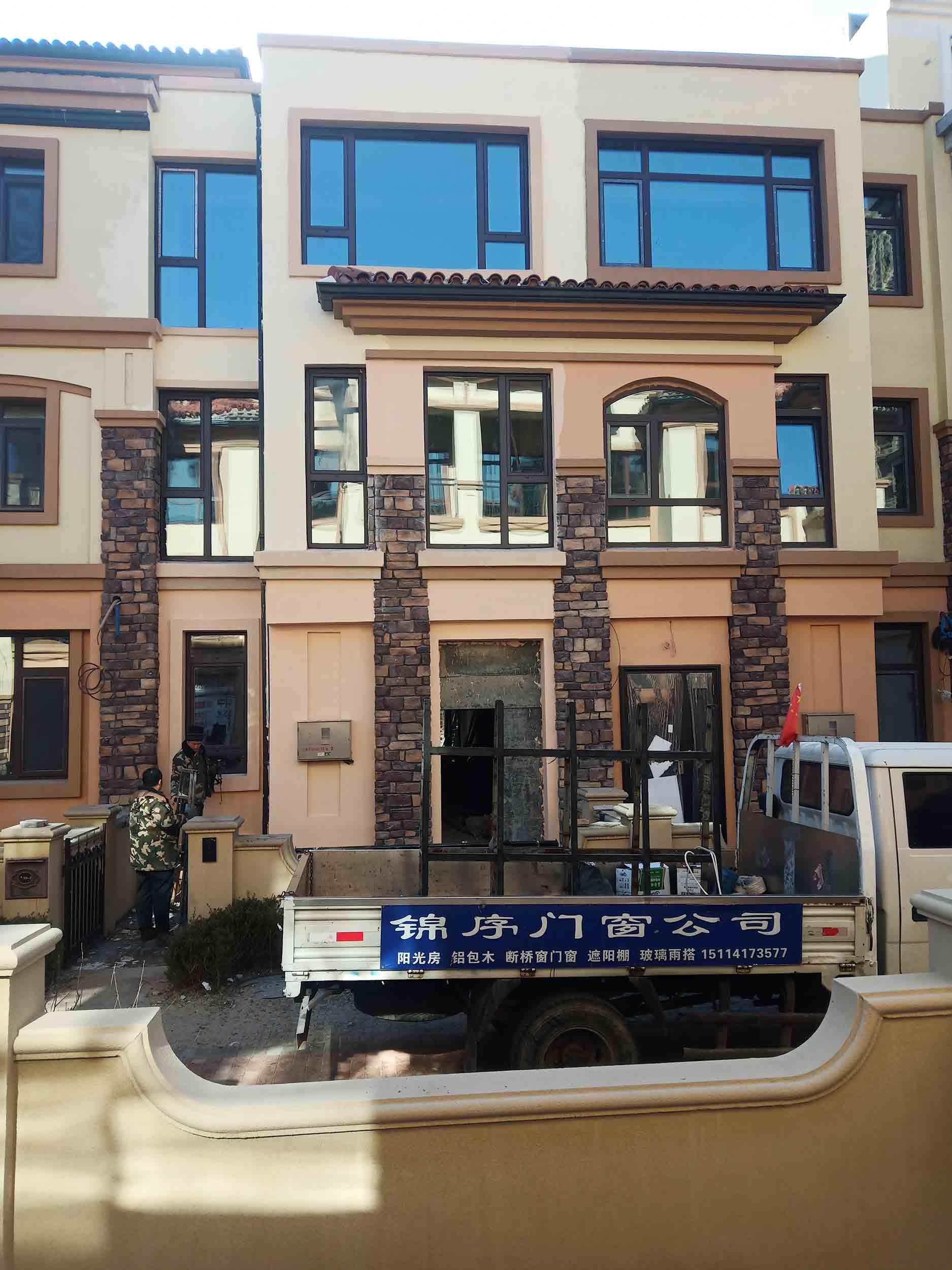 丹東門窗加工之鋁合金門窗的裝配要求