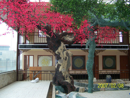 仿真树可以收集其美丽树种的优点,树具有在风和水中收集气体的功能