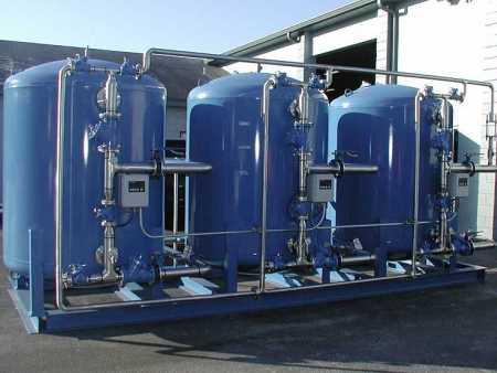 日常选择桶装水设备时,需要注意哪些问题?