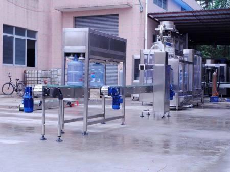 关于桶装水生产设备的工艺流程