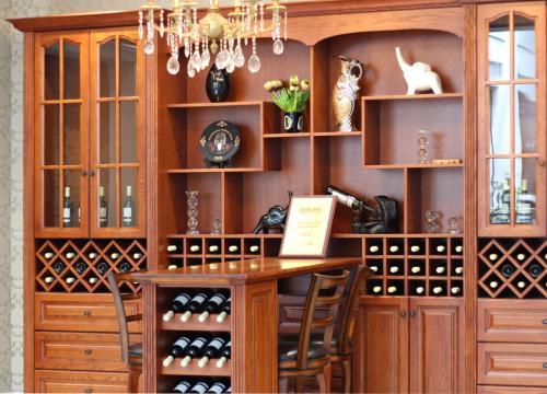 酒柜vs酒窖