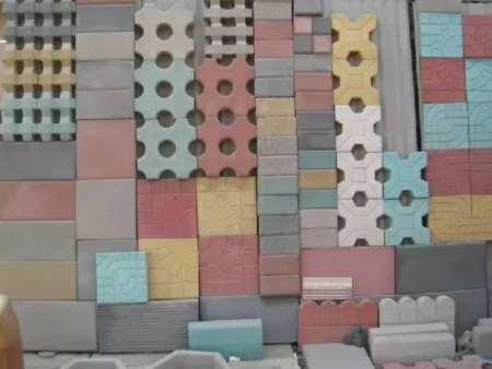 透水砖完成后该如何清理铺面?
