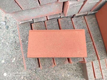 甘肃透水砖具有哪些优良性能: