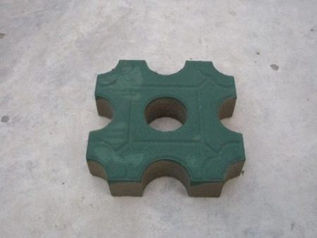 西安透水砖-陶瓷透水砖为什么可以做南北通用呢?