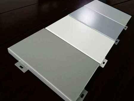 氟碳喷涂铝单板组合