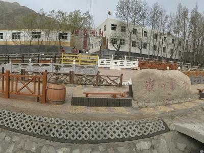 甘肃仿木景观护栏,河堤护栏,石灰石矿粉,仿石PC砖,仿石路沿石,钢筋混凝土排水管-夏河安多建材制品公司