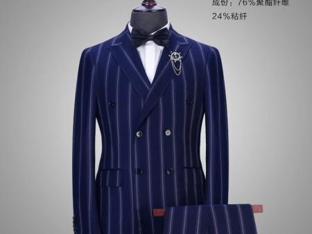 实在的郑州工装定制_一套西服上万元,两三千元常见