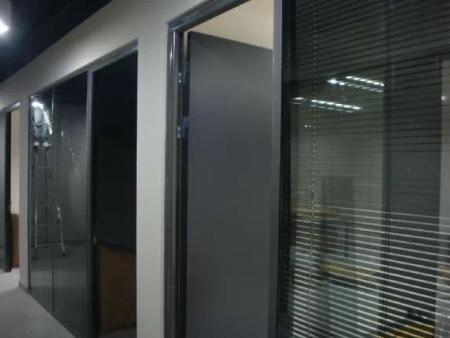 沈陽鴻盛德曼自動門營口鲅魚圈公安局綜合辦公大樓成功案例
