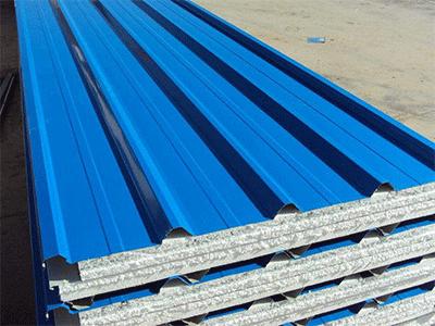 青海彩钢板厂家告知大家在雨季安装时应注意的事项?
