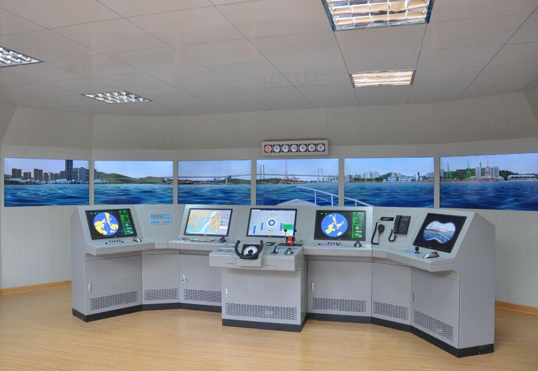 大型船舶驾驶操纵模拟器