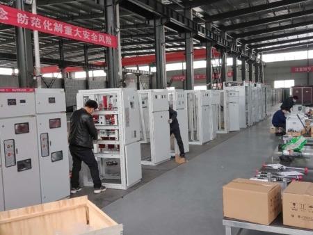 南陽配電柜廠家解析關于配電柜清潔與保養的注意事項