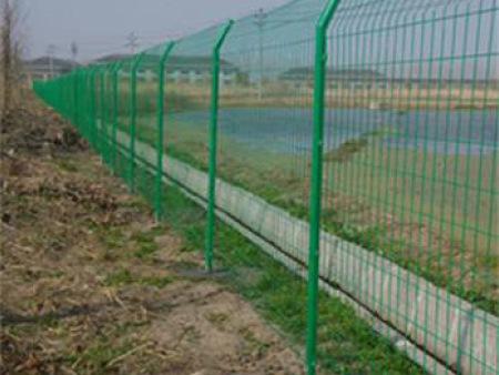 青海道路护栏网-公路护栏网和铁路护栏网的差异