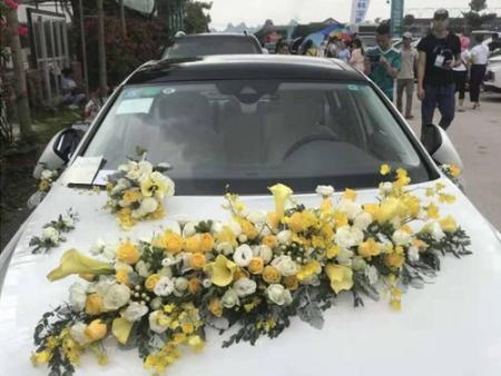 婚礼用花车