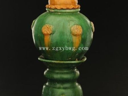 宋绿釉塔式罐