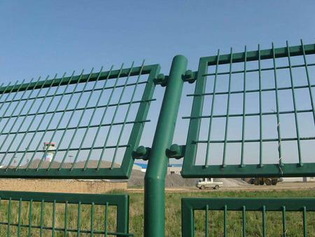 西寧鐵藝圍欄-鐵藝護欄的重要作用