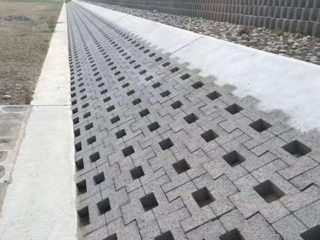 生態連鎖磚的特點