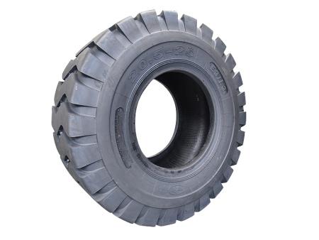 更换轮胎时应该考虑哪些因素?