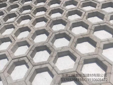 張家口六角護坡磚如何鋪貼?