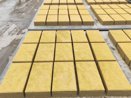透水砖有哪些功能特性呢