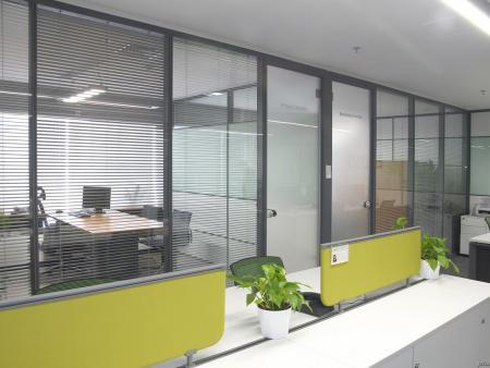 玻璃隔断隔墙