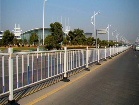 西宁护栏批发-道路护栏对于城市发展的作用有那些