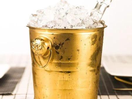 冰酒,是冰箱里冻着的酒吗?