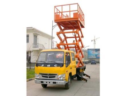 剪叉式升降機和導軌式升降機安裝