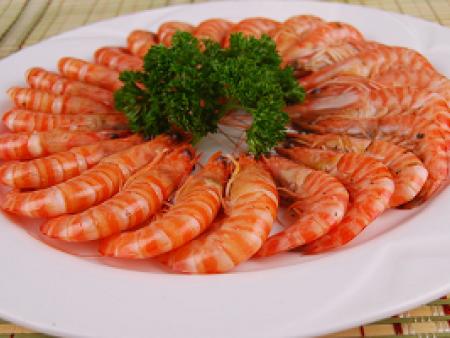 选择专业食堂外包的优势与自办餐饮问题