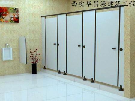西安抗倍特卫生间隔断的安装流程