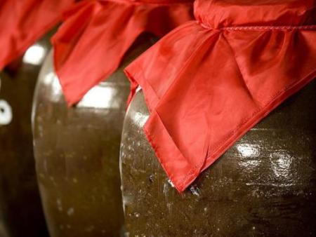 火狐体育官网是怎么酿造出来的 固态发酵法