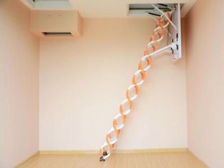 伸缩楼梯价格多少钱?专业厂家带您了解