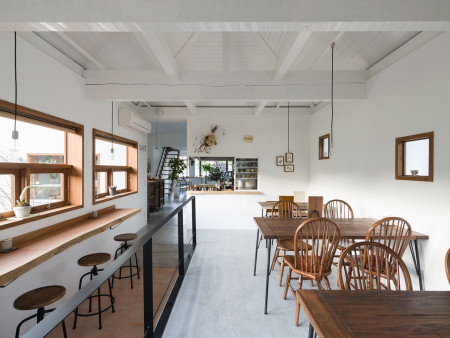 众派思商业设计分享 | 日本大阪鼻町Satoduto休闲餐厅设计