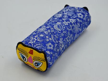 手工刺繡虎頭枕