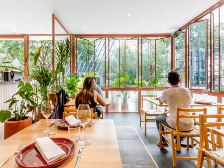 众派思商业设计分享 | 墨西哥Mexicano Masaryk餐厅设计