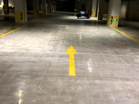 鞍山紫云地产开发有限公司汇艺园小区地下车库改造混凝土密封固化剂地坪工程竣工效果