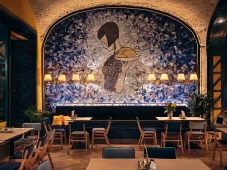 众派思商业设计分享   匈牙利布达佩斯Hilda餐厅设计