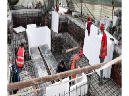 一汽鑄造紐威龍門銑床設備基礎施工現場