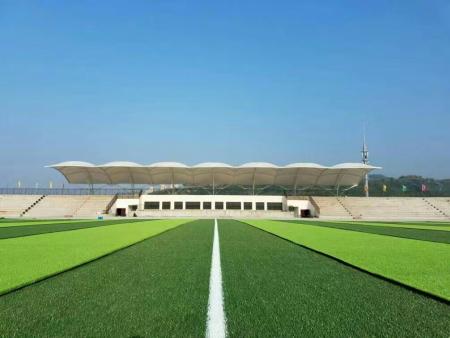 人造草坪运动场地填充橡胶颗粒的作用