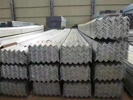 烟台巨大钢材带您了解烟台角钢?