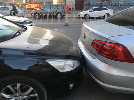 汽車追尾如何處理 汽車追尾責任認定