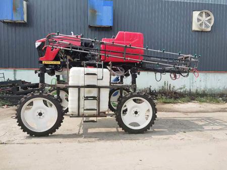 自走式噴桿噴霧機3WPZ-2300