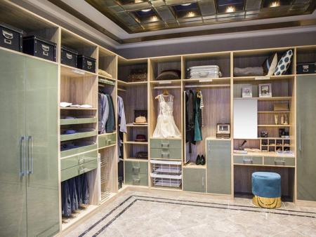 卧室不要装传统大衣柜了,如今流行这样装,好看又不占地方!