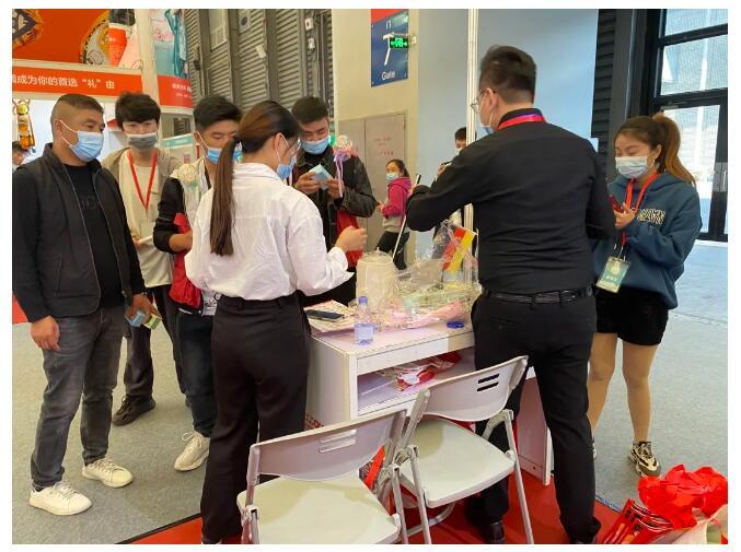 第十一屆丨中國上海新零售微商及社交電商博覽會收官