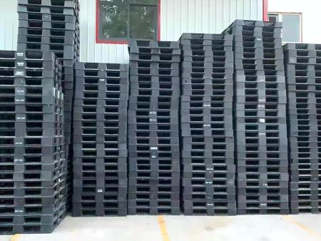 教你如何挑选优质的塑料托盘厂家