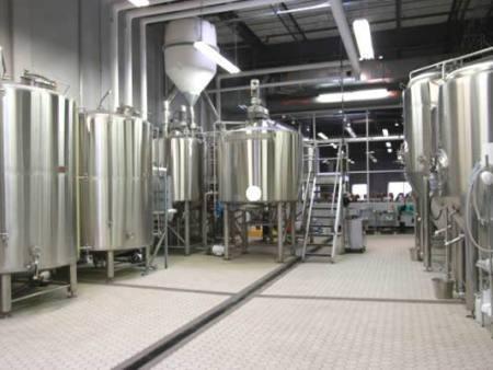 自酿啤酒设备酿制啤酒的流程
