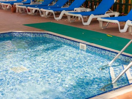 成都游泳池水处理设备价格