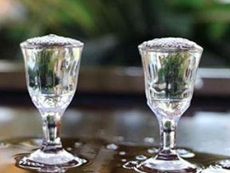 品封腾酱香型白酒的原则